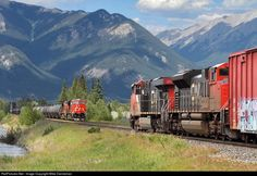 Meeting spot / right of way Canadian National Railway, Trains, Train