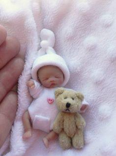 little baby 👶 and bear Baby Barbie, Barbie Dolls Diy, Doll Clothes Barbie, Newborn Baby Dolls, Cute Baby Dolls, Reborn Toddler Girl, Reborn Babies, Mini Bebidas, Baby Mold