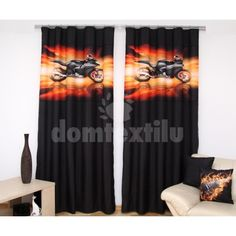 Čierno-oranžový záves na okná s čiernom motorkou Curtains, Home Decor, Insulated Curtains, Homemade Home Decor, Blinds, Draping, Decoration Home, Drapes Curtains, Sheet Curtains