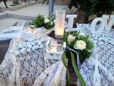 Romantic table decoration.