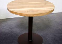 """Table de repas ronde """"Papillon"""" en bois massif et aluminium pleine masse thermolaqué / Fabrication artisanale et sur mesure / MADE IN FRANCE / Design épuré et contemporain"""