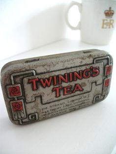 Vintage tea tin! Love it!