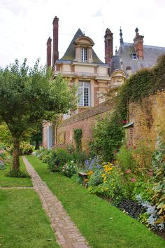 Kitchen garden near the Chateau de Miromesnil, Tourville-sur-Arques, Seine-Maritime, France