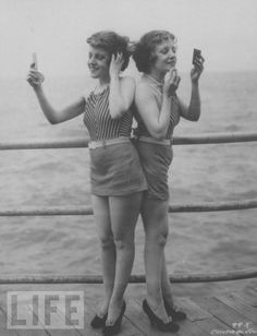 Violet and Daisy Hilton, young and pretty conjoined twins!