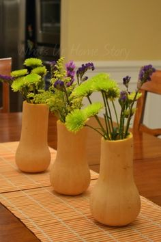 Make this simple centerpiece with Butternut squash, easy gourd vases www.whatsurhomestory.com