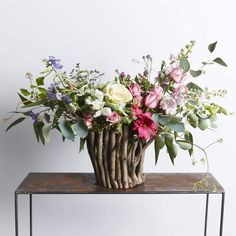 ⭐️⭐️⭐️⭐️⭐️ 5 star review: Beautiful Arrived on time, such a stunning arrangement! Thank you for the great service! Ornamental Kale, Modern Flower Arrangements, Pastel Flowers, Creative Inspiration, Glass Vase, Bloom, Rose, Star, Beautiful