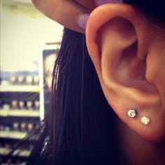 (54) double ear piercing | Tumblr I reeeally want a double piercing❤
