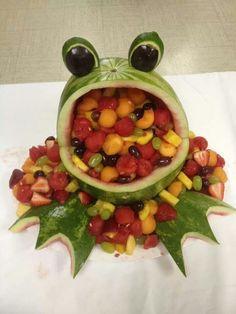 New baby shower food watermelon fruit bowls Ideas Frog Baby Showers, Tiffany Baby Showers, Baby Shower Fun, Baby Shower Parties, Watermelon Fruit Bowls, Watermelon Carving, Watermelon Animals, Watermelon Ideas, Fun Fruit
