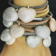 """Chegaram!!!!! As pulseiras mais desejadas do momento!!!! #heartrosaleal #amo #love"""