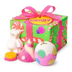 Christmas Candy Box Gift: Two sweet bath bombs, a bubble bar and a luxury bath oil fill this gift that's all wrapped up and ready to give!