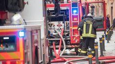 Lavoro Bari  Momenti di paura nella notte in provincia di Lecce: le fiamme sono divampate nel laboratorio di patologia clinica al piano terra ma il fumo ha avvolto i...  #LavoroBari #offertelavoro #bari #Puglia Incendio distrugge un laboratorio nell'ospedale di Galatina: fumo nei reparti evacuati i neonati dal nido