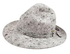 Cappello da montagna a tesa larga http://www.altoadige-shopping.it/info.php?cat=7&scat=96&prd=631&id=2001