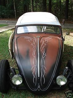 FriKi TiKi volksrod.    Love the hood striping