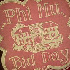 Phi Mu at Alabama! Sorority Bid Day, Kappa Kappa Gamma, Sorority Life, Phi Mu, Chi Omega, Bond, Alabama, Banners, Sticks