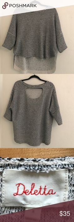 Anthropologie Deletta open backed sweater Anthropologie Deletta open backed sweater. Hi-lo hem. Cute snaps on side. Excellent used condition Anthropologie Sweaters Crew & Scoop Necks