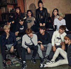 Blackpink with bts Bts Group Photos, Blackpink Photos, Girls Generation, High School Love Story, Fake Instagram, Instagram Pose, Canal 13, Kpop Couples, Black Pink Kpop