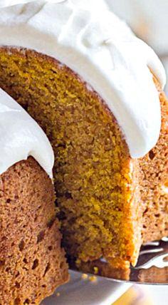 Hulse's Pumpkin Spice Bundt Cake - Lovely Little Kitchen Thanksgiving Desserts, Fall Desserts, Delicious Desserts, Dessert Recipes, Thanksgiving Celebration, Recipes Dinner, Pumpkin Cake Recipes, Pumpkin Dessert, Pumpkin Cakes