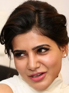 Tamil Actress Samantha Smiling Face Close Up Gallery Kiss Without Makeup, Samantha Images, Samantha Ruth, Pimples On Face, Look Thinner, Dress Hairstyles, Most Beautiful Indian Actress, Ingrown Hair, Tamil Actress