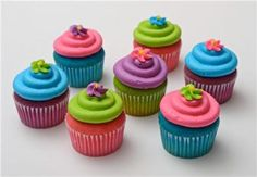 Fun cupcake party idea.  It would be fun to do with boy colors also.