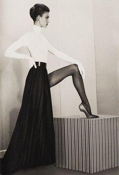 """A head for business and a body for sin"" Karlie Kloss byRoe Ethridge"