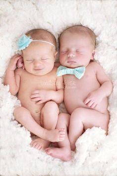 Ideas for Photographing Twins #babyphotography