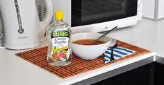 Dieser Küchenklassiker gibt Gerichten eine delikate, saure Note, eignet sich aber auch wunderbar zum Putzen und Entkalken!