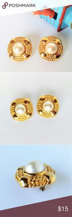 "VINTAGE Signed JS Gold & Pearl Earrings-Rope Nice size and quality in these signed JS vintage earrings.  Shiny Gold and faux pearl.  Trimmed in an almost rope like design.   They are in excellent vintage condition and measure about 1"".  Add as many items to your cart as you like.  Shipping stays the same! PickinChickJewelry sells in several online areas, as well as owning a storefront. JS Jewelry Earrings"