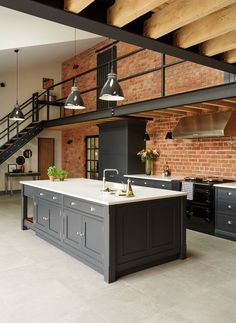 Modern Kitchen Decor: 4 top tips for a tailor-made kitchen with Tom How . - Modern Kitchen Decor: 4 top tips for a tailor-made kitchen with Tom Howley Best Picture For simple - Industrial Kitchen Design, Industrial House, Industrial Interiors, Modern Industrial, Industrial Kitchens, Kitchen Modern, Modern Barn, Industrial Chic Decor, Contemporary Barn