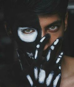 Set hidden face mask dp on fb and whatsapp HD pics Hacker Wallpaper, Boys Wallpaper, Blank Wallpaper, Photo Wallpaper, Photography Poses For Men, Creative Photography, Sadness Photography, Halloween Photography, Boy Art