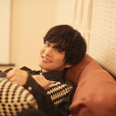Cute Japanese Boys, Japanese Men, Sad Art, Chiba, Handsome, Kawaii, Poses, Actors, My Favorite Things