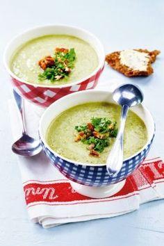 Kukkakaali-parsakaalikeitto   K-ruoka Easy Healthy Recipes, Vegetarian Recipes, Easy Meals, Soup Recipes, Cooking Recipes, Cooking Tips, Food Porn, Soup And Salad, Food Inspiration