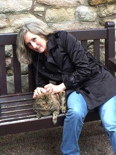 Helfer @ a castle in Scotland Hug Your Cat Day, Scotland, Castle, Castles