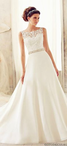 How to save money on wedding dress cleaning and preservation: Payment plans. #weddingdress #weddingdresscleaning #weddingdresspreservation