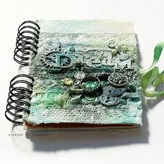 art journal  http://tworzysko.blogspot.com/search/label/journal  Very nice! Love the color and texture!