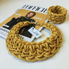 Crochet Jewelry Patterns, Crochet Bag Tutorials, Beginner Crochet Projects, Crochet Accessories, Textile Jewelry, Macrame Jewelry, Fabric Jewelry, Jewellery, Fabric Necklace