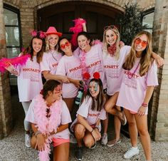 10 Things to Know if You're Rushing a Sorority from a Sorority Girl Sorority Rush, College Sorority, Sorority Sisters, Sorority Recruitment, Sorority Life, Sorority Canvas, Sorority Paddles, Sorority Crafts, Clever Halloween Costumes