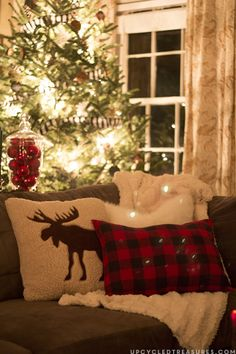 Check out this Rustic Woodland Inspired Christmas decor filled with DIY projects and upcycled finds! MountainModernLife.com