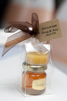 For unique and thoughtful favours, consider the sweet taste of honey. Our honey is collected from the flowers that grow in the Pacific Northwest. It is minimally handled to preserve its nutrients and flavour. Our beeswax candles are 100 percent pure and hand-poured. Each favor contains one beeswax tealight and a jar of pure, raw honey. To ensure they arrive safely to their destination, these favors will ship unassembled.  You have two ways to order:  1. To purchase in quantities of 24…
