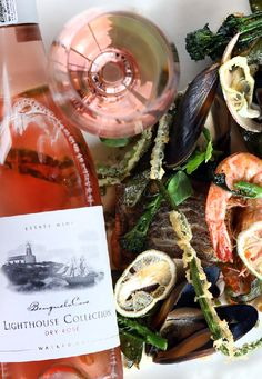 Treat yourself to a tasty lunch experience and unwind overlooking great views. Delicious Food, Tasty, Fresh Oysters, Great View, Fine Dining, Alcoholic Drinks, Lunch, Restaurant, Alcoholic Beverages