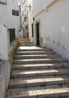Alfama, Lisbon | Portugal (by Nacho Coca)