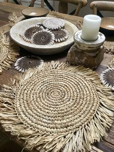 Tropical Raffia Placemat Kitchen – home accessories Diy Crafts To Sell, Home Crafts, Raffia Crafts, Natural Placemats, Balinese Decor, Decor Pad, Boho Diy, Bohemian, Easy Home Decor
