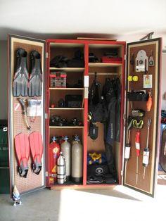 Nice idea for scuba gear storage. Scuba Diving Tattoo, Scuba Diving Quotes, Scuba Diving Equipment, Scuba Diving Gear, Cave Diving, Sea Diving, Diver Down, Diving Board, Built In Cabinets