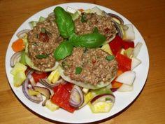 RAW recepty babičky Aničky - Pomazánky, omáčky, sýry - Pomazánky 1 Beef, Food, Red Peppers, Meat, Essen, Meals, Yemek, Eten, Steak