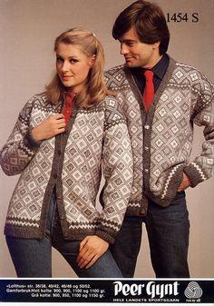 Lofthus 1454 S. Sandnes Uldvarefabrik A/S. Knit Jacket, Sweater Jacket, Bomber Jacket, Hand Knitting, Knitting Patterns, Norwegian Knitting, Knit Crochet, Blazer, Retro