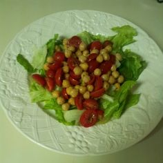 project - chickpea and tomato salad Tomato Salad, Cobb Salad, Wordpress, Merry, Stuffed Peppers, Vegetables, Projects, Food, Blue Prints