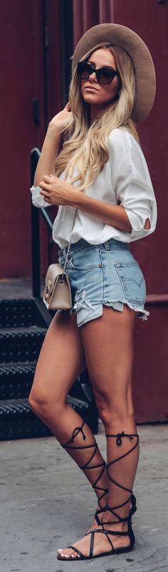 Sendi Skopljak With Basics Soho Casual Outfit Idea