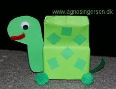 Klik ind på bloggen og se nærmere på skildpadden, den er en forenklet udgave af skildpadden i min bog: Sjov Med Mælkekartoner 2 : http://agnesingersen.dk/blog/skildpadde. Easy kids crafts milk carton turtle. Kinderbastelideen Milchkarton Schildkröte