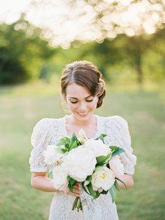 Magnolia Rouge Wedding Beauty, Rose Wedding, Wedding Hair, Dream Wedding, Garden Wedding Inspiration, Wedding Ideas, Wedding Details, Wedding Planning, Flower Bouquet Wedding
