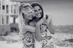 Amigas Amizade Best friends Bff Black and white Blonde Brown Brunette Cute Fahsion Feel Fotografia Friendship Friend Girl Girls Grey Hair Happy Hold Hug Laugh Love Photo Photography Sister Smile So cute - PicShip