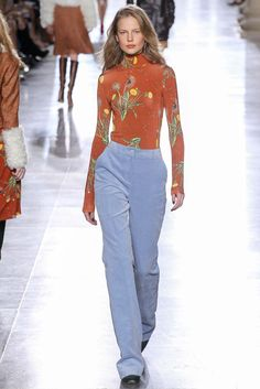 Topshop Unique - Fall 2015 Ready-to-Wear - Look 13 of 41